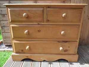 Pine chest of drawers Before.